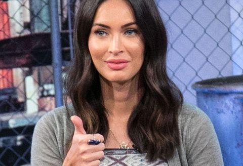 Hair, Face, Lip, Eyebrow, Hairstyle, Black hair, Beauty, Long hair, Engagement ring, Brown hair,