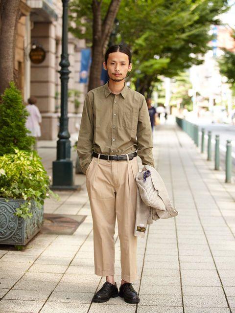 Clothing, Trousers, Dress shirt, Collar, Flowerpot, Shirt, Outerwear, Street fashion, Bag, Khaki,