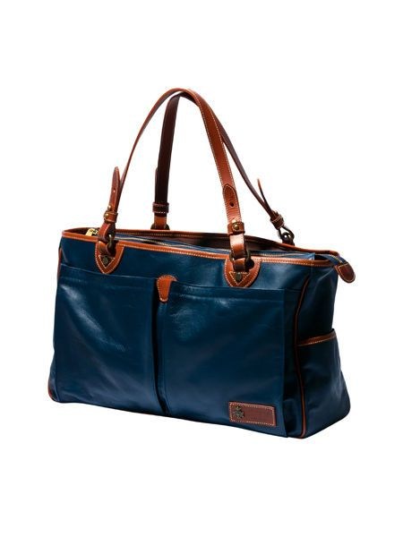 Brown, Product, Bag, White, Style, Fashion accessory, Luggage and bags, Shoulder bag, Leather, Beauty,