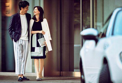 White, Street fashion, Photograph, Clothing, Fashion, Snapshot, Black-and-white, Dress, Outerwear, Shoulder,