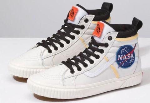 Shoe, Footwear, Sneakers, White, Walking shoe, Outdoor shoe, Athletic shoe, Sportswear, Skate shoe, Plimsoll shoe,