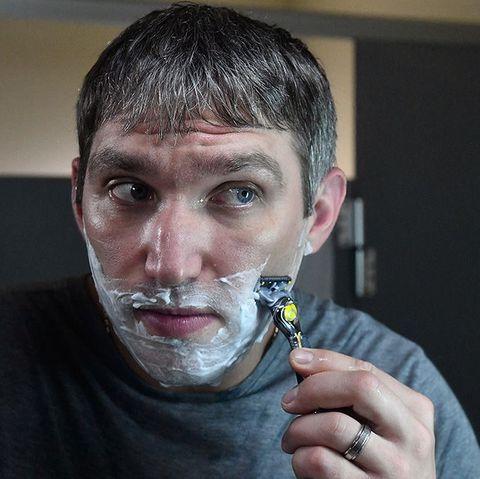 大人の男の悩み、ヒゲをどのように剃るべき?長さ別のヒゲの整え方