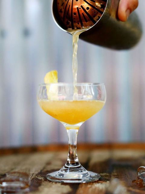 Drink, Alcoholic beverage, Distilled beverage, Classic cocktail, Cocktail, Champagne cocktail, Food, Whiskey sour, Non-alcoholic beverage, French 75,