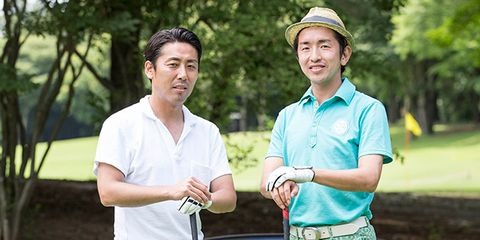 Nose, Sleeve, Hat, Collar, People in nature, Leisure, Sun hat, Polo shirt, Belt, Gesture,