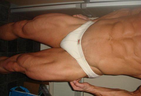 Muscle, Arm, Barechested, Leg, Thigh, Chest, Abdomen, Human body, Human leg, Hand,