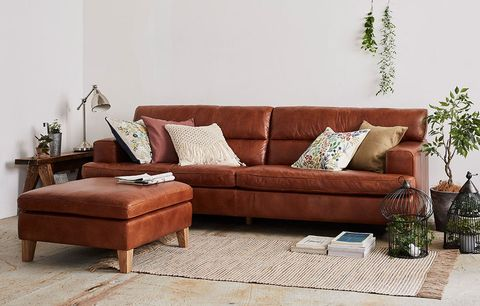 Furniture, Couch, Living room, Room, Sofa bed, Brown, studio couch, Interior design, Table, Floor,