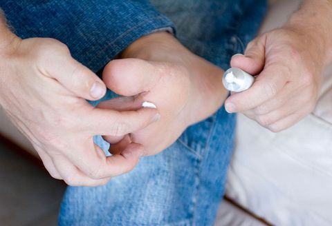 Hand, Finger, Nail, Skin, Gesture, Thumb, Jeans, Child, Ring,