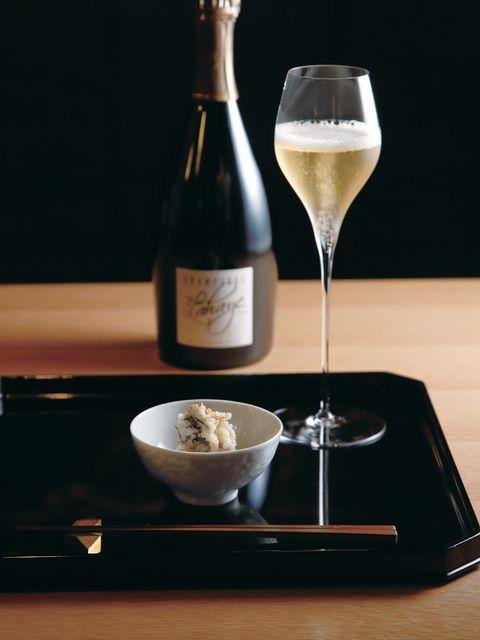 Drink, Ingredient, Alcoholic beverage, Food, Wine glass, Wine, Champagne stemware, Stemware, Glass, Barware,
