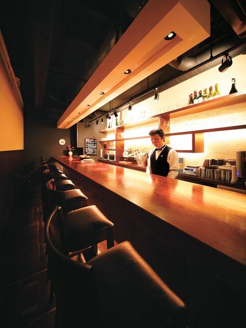 Light, Sky, Architecture, Building, Design, Interior design, Night, Table, Bar, Floor,