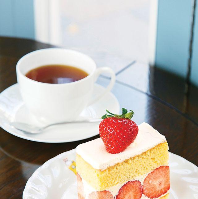 Dish, Food, Cuisine, Sweetness, Dessert, Strawberries, Mille-feuille, Ingredient, Strawberry, Baked goods,