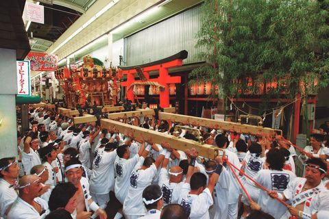 Crowd, Shrine, Event, Shinto shrine, Temple, Place of worship, Festival, Tourism, Tradition, Building,