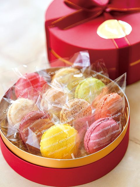 Food, Sweetness, Confectionery, Ingredient, Present, Pastille, Party supply, Party favor, Candied fruit, Ribbon,