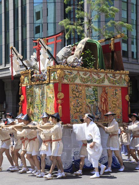 Event, Tradition, Public event, Carnival, Ritual, Festival, Pilgrimage, Parade, Costume, Flag,