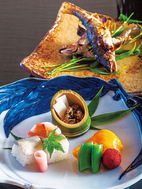 Food, Cuisine, Invertebrate, Ingredient, Tableware, Dish, Dishware, Arthropod, Garnish, Recipe,
