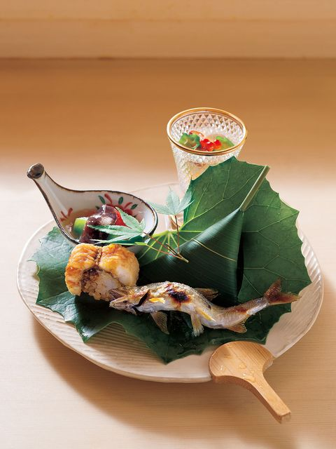 Food, Leaf, Ingredient, Cuisine, Recipe, Dish, Garnish, Dishware, Culinary art, Seafood,