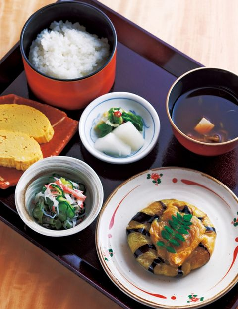 Cuisine, Food, Meal, Dishware, Dish, Tableware, Bowl, Plate, Ingredient, Recipe,