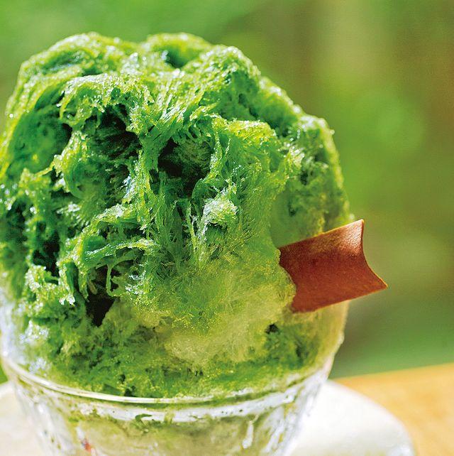 Green, Serveware, Food, Ingredient, Dishware, Cuisine, Dessert, Kitchen utensil, Still life photography, Vegetarian food,