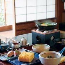 Serveware, Food, Dishware, Wood, Cuisine, Tableware, Dish, Room, Ingredient, Meal,