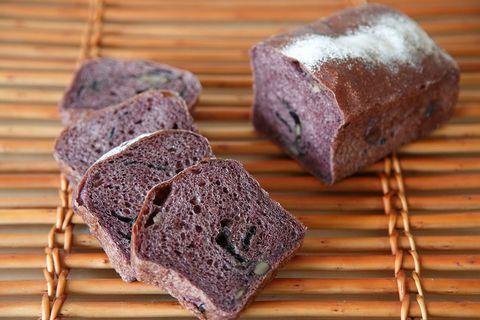 Food, Purple, Cuisine, Ingredient, Finger food, Bread, Snack, Baked goods, Gluten, Graham bread,