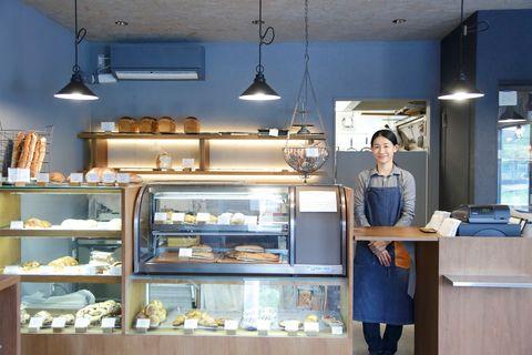 Lighting, Ceiling, Cuisine, Light fixture, Interior design, Ceiling fixture, Interior design, Shelf, Recipe, Bakery,