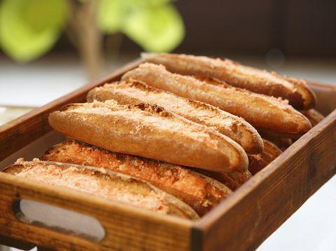 Brown, Food, Cuisine, Ingredient, Bread, Baked goods, Dish, Baguette, Breakfast, Snack,