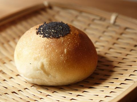 Bread, Ingredient, Food, Cuisine, Finger food, Bun, Baked goods, Dish, Snack, Tan,
