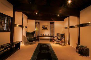Room, Lighting, Interior design, Property, Ceiling, Wall, Floor, Interior design, Real estate, Light fixture,