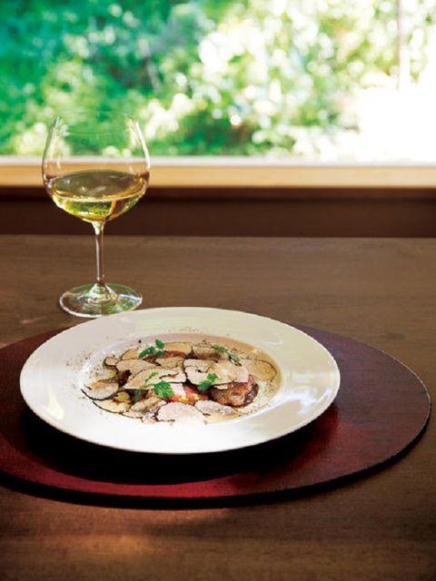 Glass, Serveware, Drinkware, Dishware, Food, Drink, Stemware, Tableware, Cuisine, Ingredient,