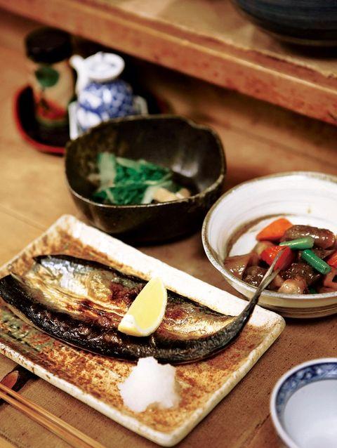 Food, Dishware, Tableware, Serveware, Porcelain, Meal, Ceramic, Plate, Seafood, Dish,