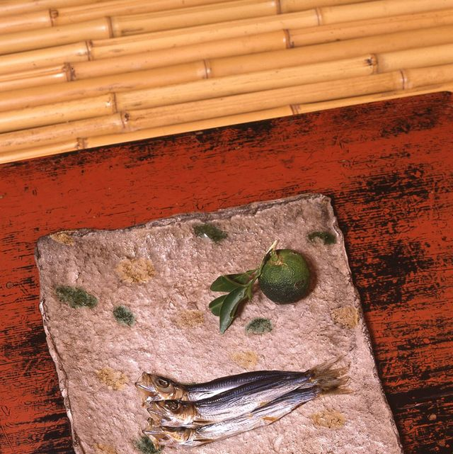 Wood, Wood stain, Fish, Hardwood, Fish, Seafood, Rectangle, Home accessories, Ray-finned fish, Plank,