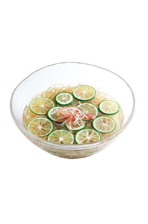 Key lime, Lime, Food, Cucumber, Citrus, Lemon, Ingredient, Lemon-lime, Gin and tonic, Punch,