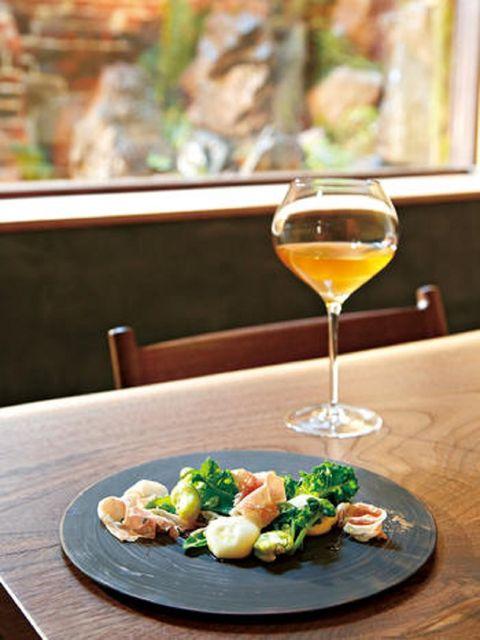 Glass, Food, Drinkware, Stemware, Drink, Table, Cuisine, Alcohol, Barware, Tableware,