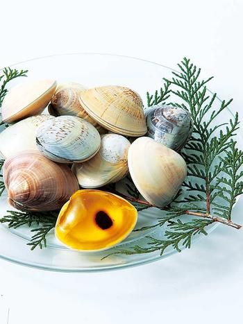 Ingredient, Natural material, Produce, Still life photography, Shell, Vegetable, Whole food, Herb, Molluscs, Conifer,