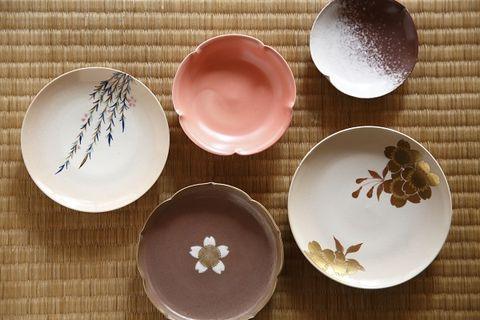 Serveware, Dishware, Brown, Porcelain, Tableware, Ceramic, earthenware, Pottery, Peach, Kitchen utensil,
