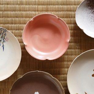 Serveware, Dishware, Porcelain, Tableware, Ceramic, Plate, earthenware, Pottery, Peach, Creative arts,