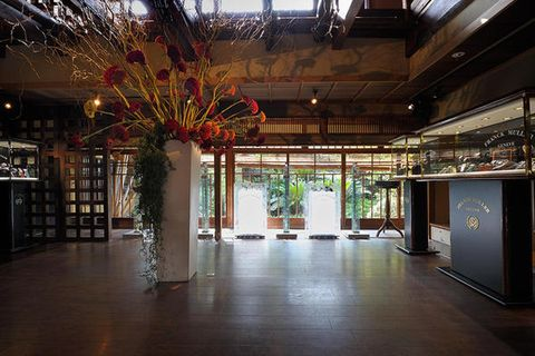 Lighting, Floor, Flooring, Ceiling, Interior design, Lobby, Hall, Light fixture, Column, Interior design,
