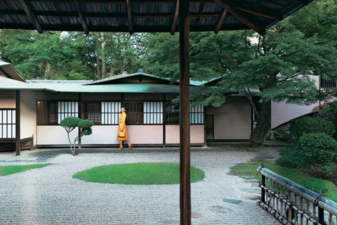 Property, Shade, Japanese architecture, Roof, Chinese architecture, Walkway, Courtyard, Outdoor structure, Shrine, Column,