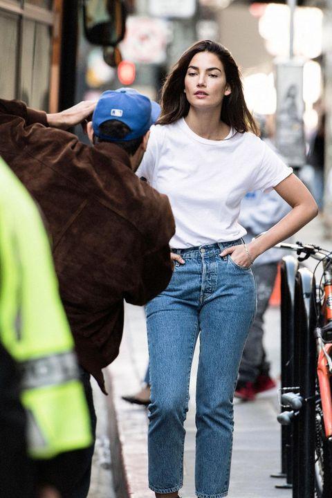 Jeans, Clothing, Denim, Street fashion, Standing, Waist, Fashion, Snapshot, Shoulder, T-shirt,