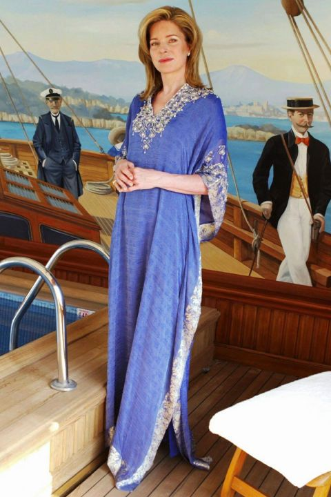 Formal wear, Dress, Watercraft, Jewellery, Wood flooring, Electric blue, Boats and boating--Equipment and supplies, One-piece garment, Wood stain, Hardwood,
