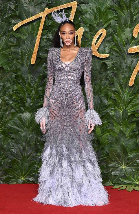 Red carpet, Carpet, Dress, Clothing, Flooring, Gown, Fashion, Haute couture, Hairstyle, Fashion model,