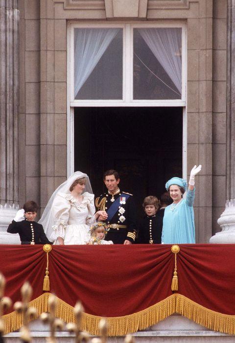 Bridal veil, Veil, Bridal clothing, Suit, Tradition, Formal wear, Ceremony, Gown, Bride, Dress,