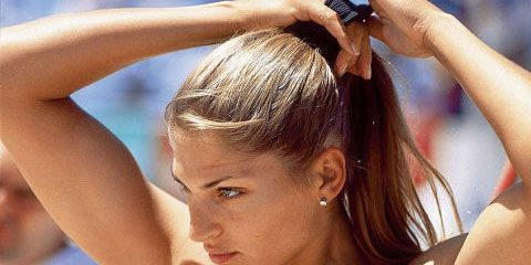 Hairstyle, Sportswear, Shoulder, Joint, Sleeveless shirt, Elbow, Mammal, Style, Summer, Muscle,