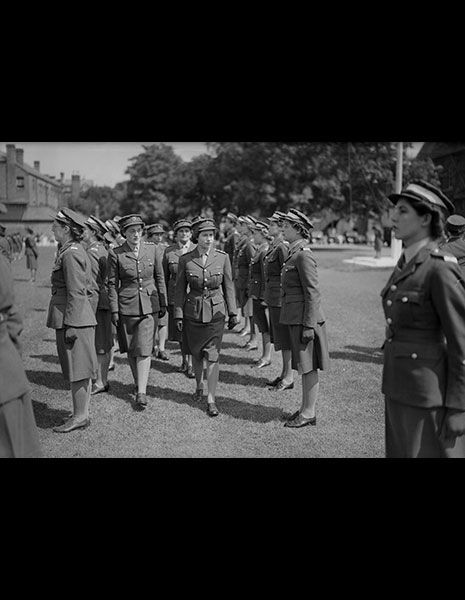 Standing, Photograph, Style, Uniform, Monochrome, Hat, Military person, Military uniform, Headgear, Military organization,