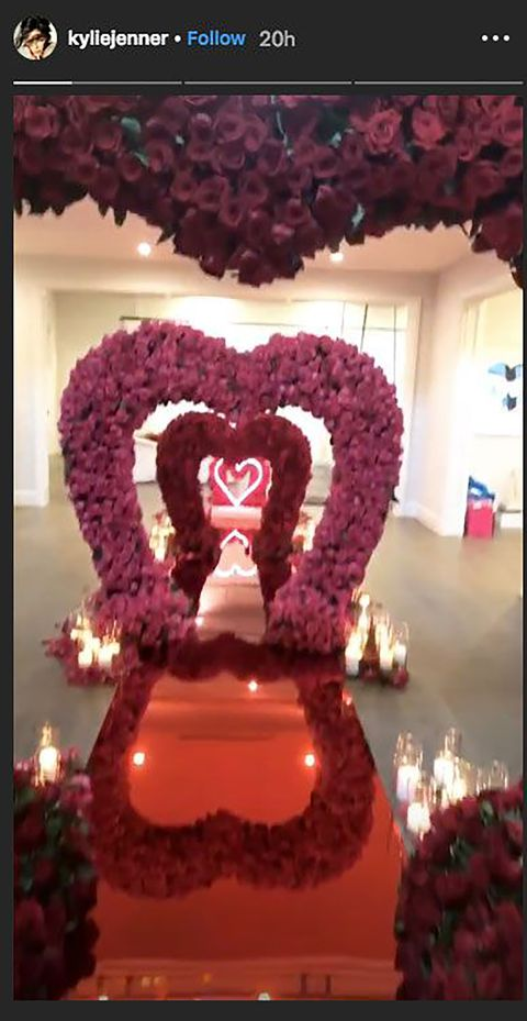 Pink, Party supply, Balloon, Heart, Centrepiece, Decoration, Event, Interior design, Floral design, Magenta,