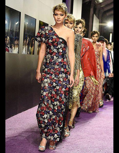 Shoulder, Dress, Style, One-piece garment, Fashion show, Fashion, Fashion model, Day dress, Street fashion, Fashion design,