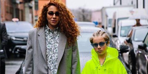Green, Street fashion, Clothing, Fashion, Outerwear, Eyewear, Yellow, Sunglasses, Coat, Jacket,