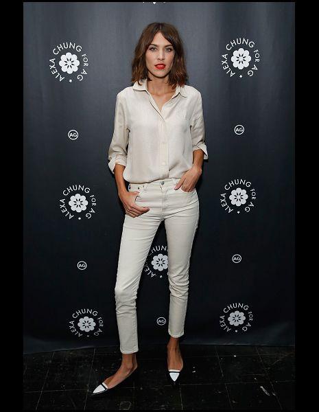 Clothing, Leg, Product, Sleeve, Collar, Style, Fashion model, Street fashion, Fashion, Monochrome photography,