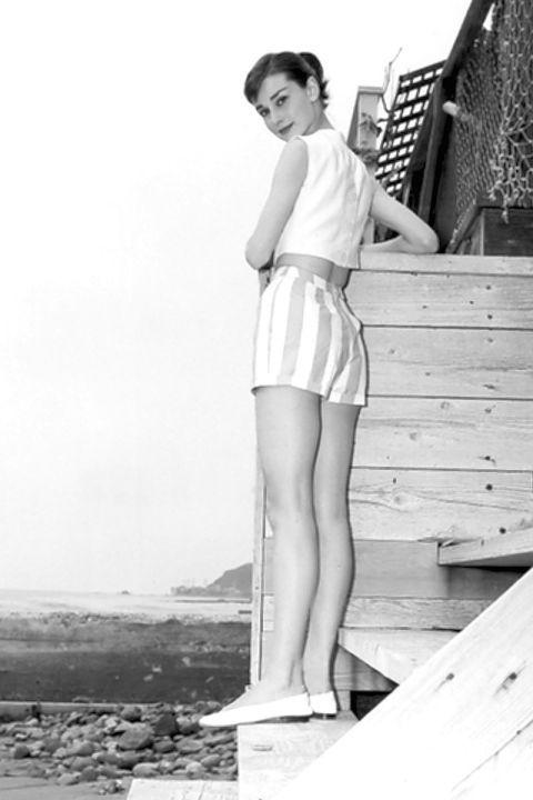 White, Photograph, Leg, Standing, Beauty, Snapshot, Black-and-white, Fashion, Human leg, Photography,
