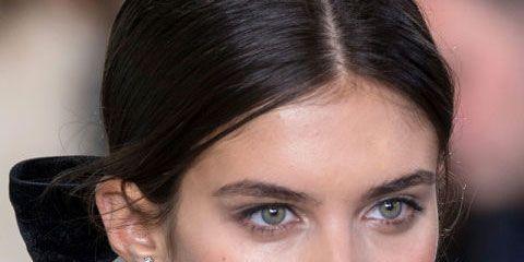 Ear, Lip, Hairstyle, Earrings, Chin, Forehead, Eyelash, Eyebrow, Style, Fashion accessory,