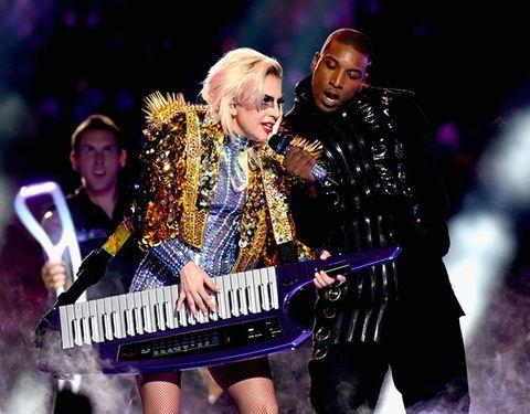 Musical instrument, Musician, Keyboard, Music, Electronic instrument, Musical instrument accessory, Entertainment, Microphone, Music artist, Pop music,